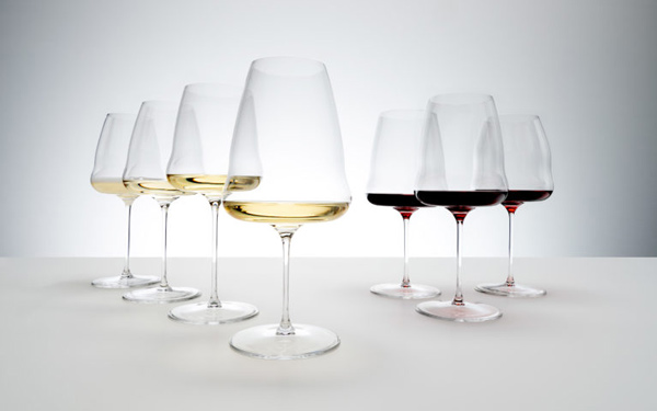 Riedel launches flat-bottomed wine glasses